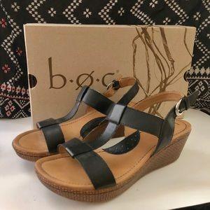 B.O.C. Black Leather Strappy Sandal Wedges 8M